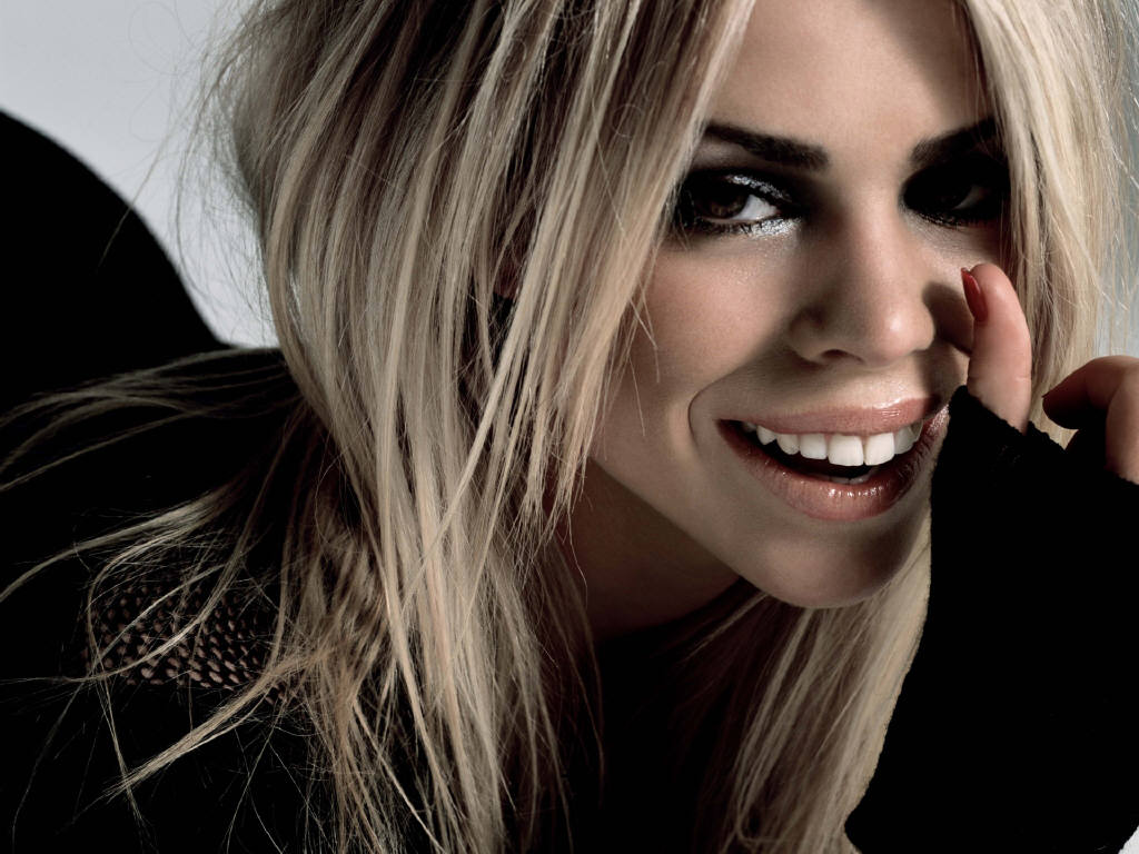 close-up-of-billie-piper_1024x768_23861