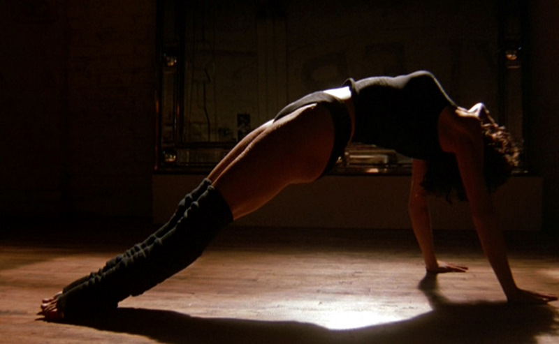 Flashdance-Jennifer-Beals-working-out